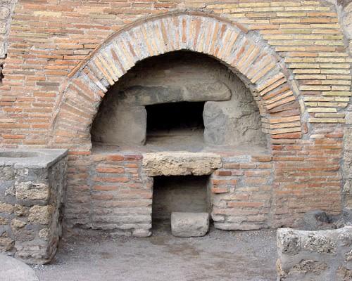 Ancien four en brique époque médiéval