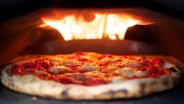 Cuisson d'une pizza : Différences entre une pierre et une plaque à pâtisserie