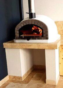 Four à pizza au feu de bois professionnel